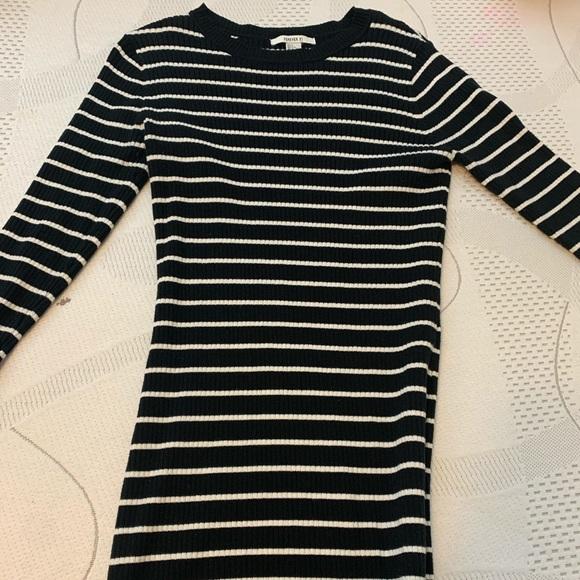 Forever 21 Dresses & Skirts - Long sleeve bodycon sweater dress